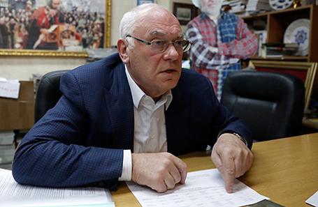 Анатолий Махсон.