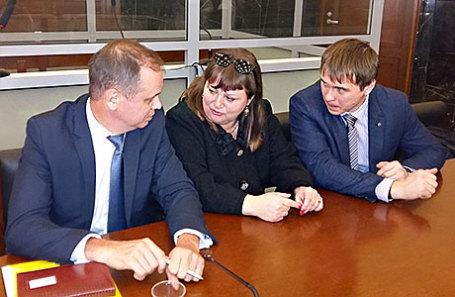Россиянка Оксана Севастиди (в центре), осужденная за госизмену и помилованная президентом РФ Владимиром Путиным.