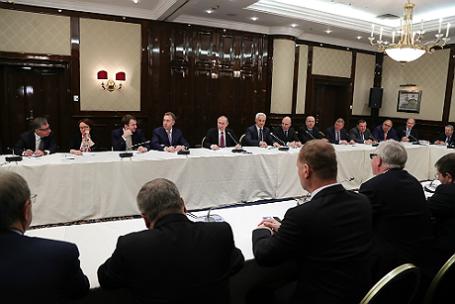 Президент РФ Владимир Путин принял участие в съезде РСПП в рамках Недели российского бизнеса-2017.