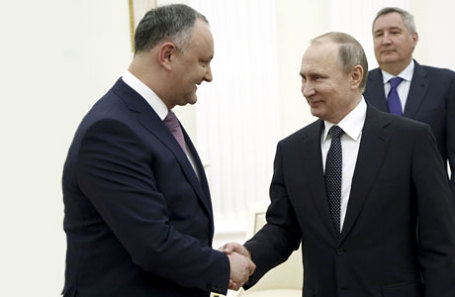 Президент Республики Молдова Игорь Додон и президент России Владимир Путин (слева направо) во время встречи в Кремле.
