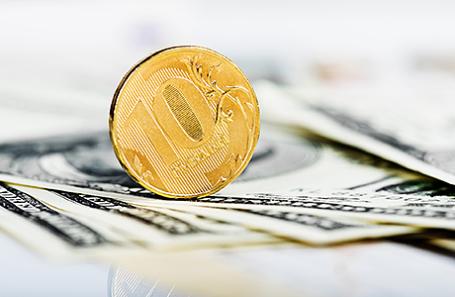 Курс доллара установил  антирекорд марта 2017г