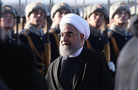 Президент Ирана Хасан Роухани, прибывший с официальным визитом, во время церемонии встречи в аэропорту «Внуково», 27 марта 2017.