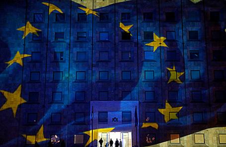 Проекция флага Европейского союза на здании администрации правительства Грузии в Тбилиси.