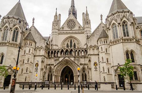 Здание Высокого суда в Лондоне.