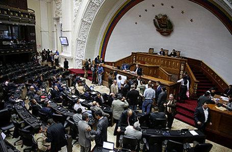Венесуэльский парламент обвинил президента Мадуро в национальном перевороте