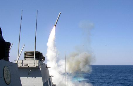 Запуск американских ракет, направленных в сторону Сирии.