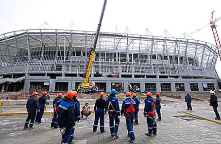 Строительство футбольного стадиона «Ростов-Арена».