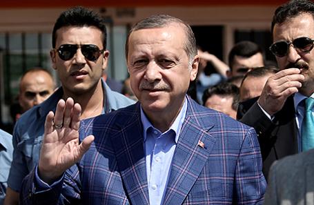 57% жителей  Турции согласились сделать Эрдогана «султаном»