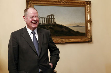 Экс-министр финансов Германии принял решение стать сатириком
