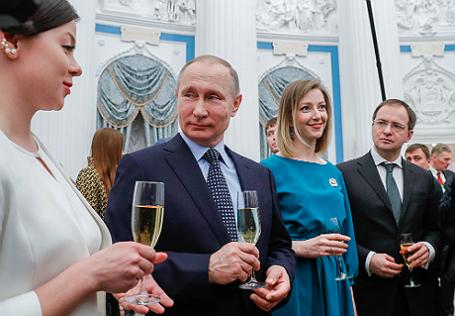 Президент РФ В.Путин вручил премии молодым деятелям культуры и за произведения для детей за 2016 год.