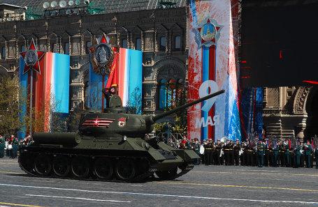 Танк Т-34-85 во время генеральной репетиции парада на Красной площади, посвященного 72-й годовщине Победы в Великой Отечественной войне.