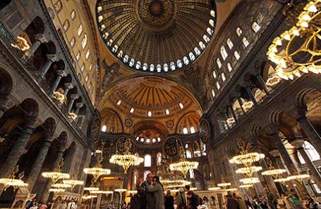 ВСтамбуле требуют сделать из храма Святой Софии мечеть