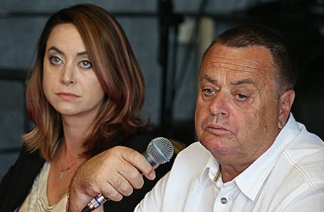 Сестра Жанны Фриске Наталья и отец Владимир.
