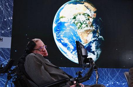 Британский физик Стивен Хокинг.