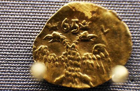 Золотая угорская монета второй половины XVII века.