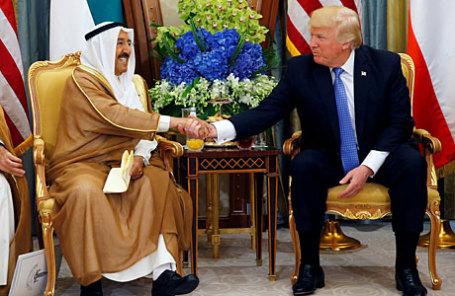 Король Саудовской Аравии Салман ибн Абдель Азиз Аль Сауд и президент США Дональд Трамп (справа).