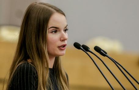 Блогеру Саше Спилберг посоветовали стать помощницей депутата ЛДПР