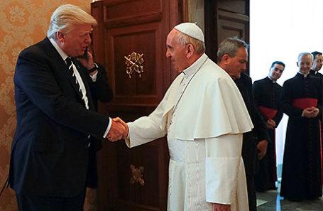 Президент США Дональд Трамп и папа римский Франциск.