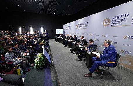 Во время панельной сессии «Проектное планирование и его эффективность в бюджетном процессе» в рамках XXI Петербургского международного экономического форума.