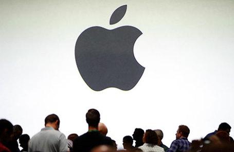 Посетители перед началом ежегодной конференции разработчиков Apple в Сан-Хосе, Калифорния, США.