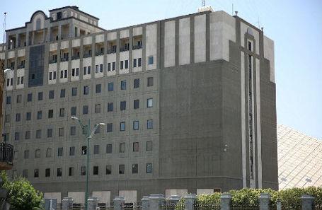 Здание парламента Ирана во время нападения.