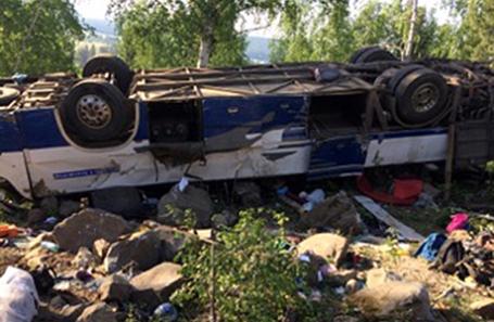 На месте ДТП с автобусом, который упал с насыпи в районе поселка Хохотуй Петровск-Забайкальского района , 12 июня 2017.