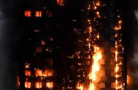 Пожар в Лондоне 14 июня 2017 года.