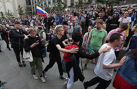 Несанкционированная акция в Москве, 12 июня 2017.