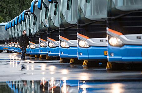 Новые туристические автобусы, предназначенные для обслуживания Кубка конфедераций FIFA 2017.