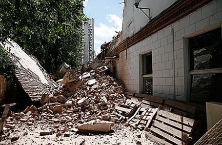 Снос здания Дома культуры имени А.С. Серафимовича.