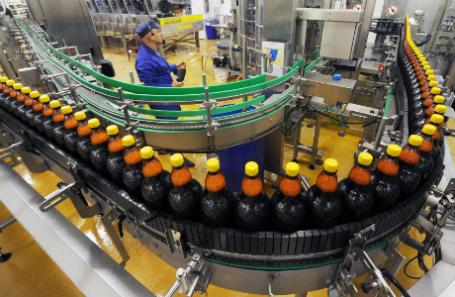 В РФ запретили реализацию спиртного в«полторашках»