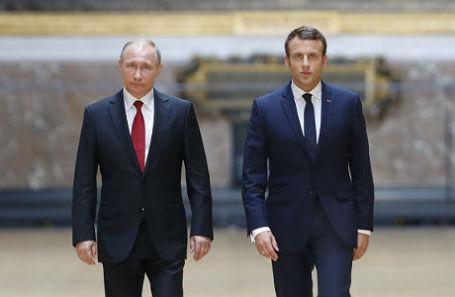 Президент России Владимир Путин и президент Франции Эммануэль Макрон.