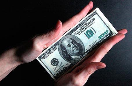 Песков назвал причину роста оттока иностранного капитала из РФ