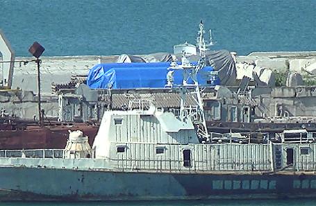 Оборудование в порту Феодосии.
