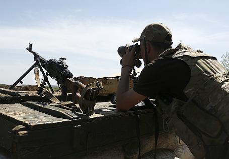 Украинские военные у поселка Зайцево Донецкой области.