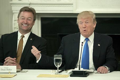 Обед для сенаторов Республиканской партии состоялся в Белом доме.
