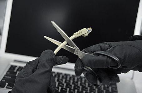 Украина «обрубила» волоконно-оптические линии связи сКрымом