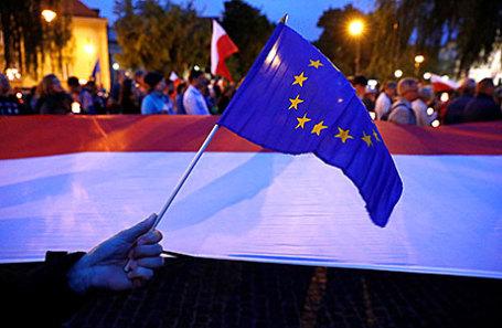 Судебная реформа: руководство Польши непойдет напопятную