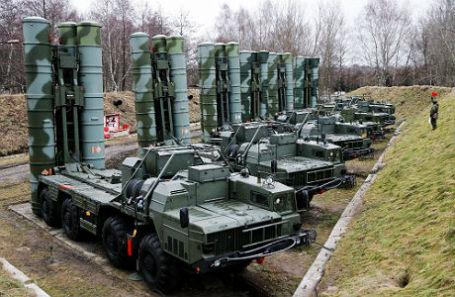 Боевые расчеты зенитных ракетных комплексов С-400 «Триумф».