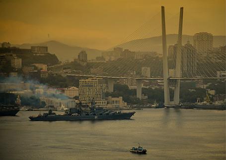 Бухта «Золотой Рог» во Владивостоке.