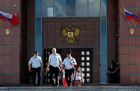 У здания Московского областного суда, где произошла перестрелка.