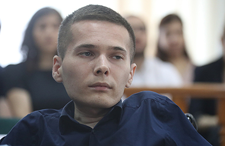 Инвалид-колясочник Антон Мамаев, осужденный на 4,5 года лишения свободы за вооруженный разбой, во время слушания по проверке законности приговора в Мосгорсуде, 3 августа 2017.