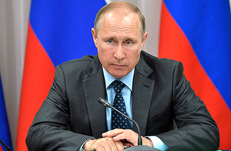 Путин: Число внеплановых проверок бизнеса нужно уменьшить до30% отплановых