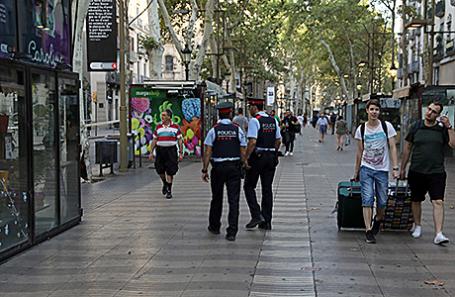Полиция на месте происшествия на улице Рамбла, Барселона, Испания.
