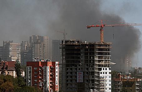 Задымление на месте пожара в Ростове-на-Дону, 21 августа 2017.