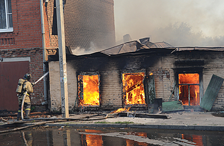Тушение пожара в центре Ростова-на-Дону, 21 августа 2017.