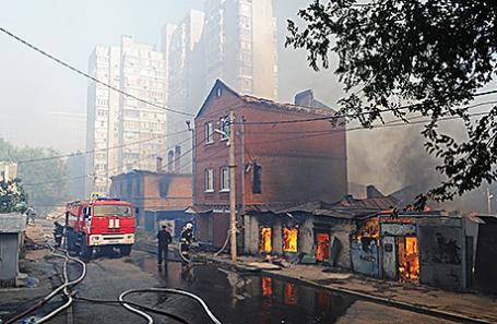 Тушение пожара в Ростове-на-Дону, 21 августа 2017.
