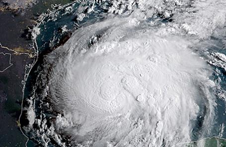 Ураган «Харви» на снимке со спутника, 24 августа 2017.