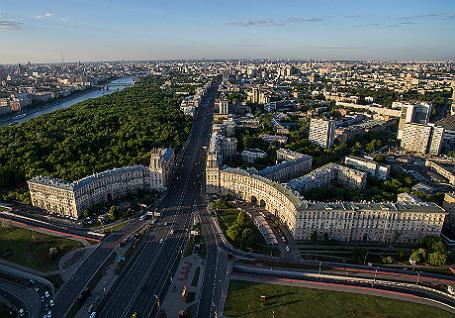 Вид на Ленинский проспект.