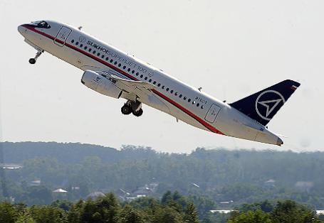 Самолет Sukhoi SuperJet-100.